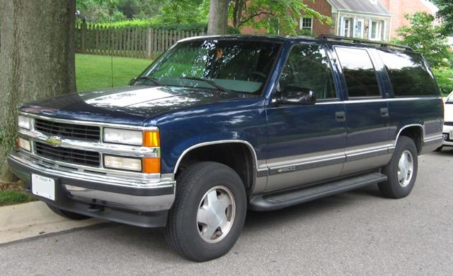Chevrolet_Suburban_GMT400.jpg